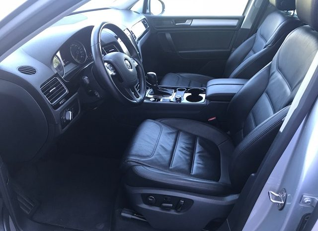 VW TOUAREG 3.0 TDI 245 CV completo